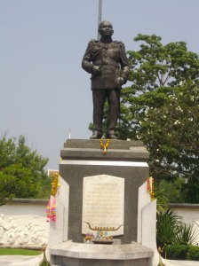 Monument_of_Sarit_Dhanarajata,_Khon_Kaen_(1)